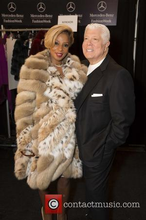 Mary J. Blige and Dennis Basso - Mercedes-Benz New York Fashion Week Fall/Winter 2014 - Dennis Basso - Runway -...