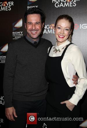 Jonathan Silverman and Jennifer Finnigan
