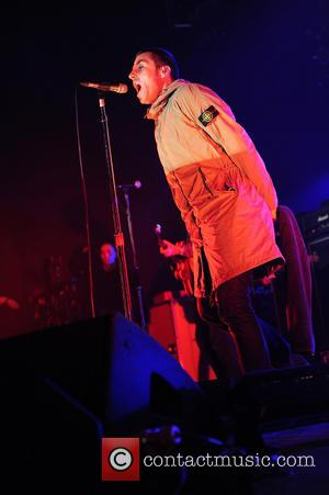 Oasis Tipped To Play Glastonbury 2014, After Liam's Cryptic Tweets