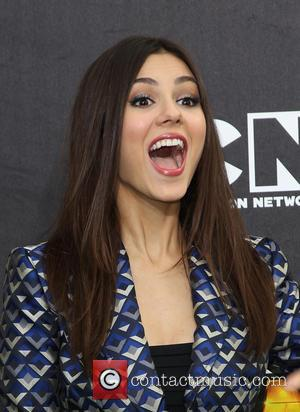 Victoria Justice - Cartoon Network's Hall of Game Awards at The Barker Hangar - Arrivals - Los Angeles, California, United...
