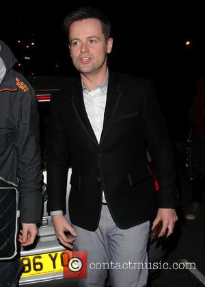 Declan Donnelly - Antthony McPartlin seems to have injured his thumb as he arrives at the filming of Celebrity Juice...