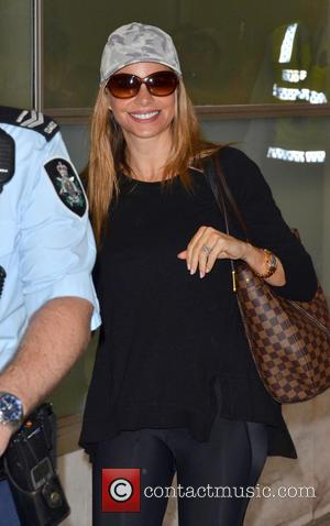 Sofia Vergara - 'Modern Family' stars arrive at Sydney Airport - Sydney, Australia - Tuesday 18th February 2014