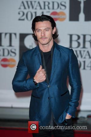 Luke Evans - The 2014 Master Card Brit Awards held at the O2 - Arrivals. - London, United Kingdom -...