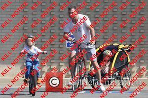 Liev Schreiber, Alexander Schreiber and Sasha Schreiber - Liev Schreiber out on a bike ride with his sons Alexander and...