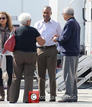 Joe Morton, Valerie and Earl - Actress Kerry Washington gets a special visit from parents, mom Valerie and father Earl...