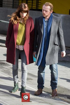 Simon Pegg and Lake Bell - Simon Pegg and Lake Bell filming 'Man Up' on location in London - London,...