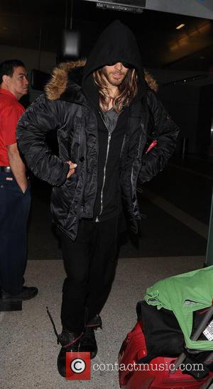 Jared Leto - Jared Leto at Los Angeles International Airport (LAX) - Los Angeles, California, United States - Thursday 27th...
