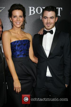 Kate Beckinsale and Kevin Jonas