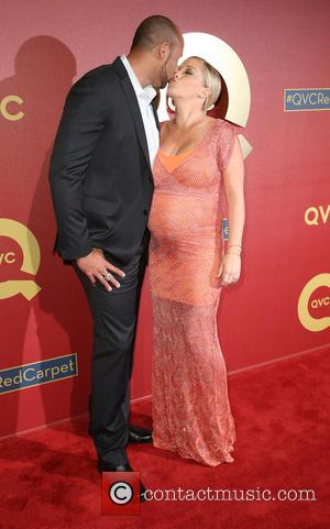 Hank Baskett and Kendra Wilkinson - QVC presents the 5th annual 'Red Carpet Style - Live from L.A.' at the...