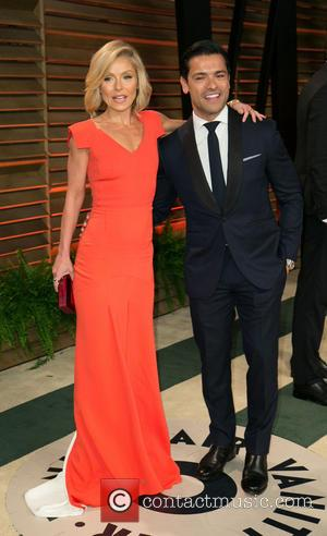 Kelly Ripa and Mark Consuelos - Vanity Fair Oscar Party - Arrivals - Los Angeles, California, United States - Sunday...