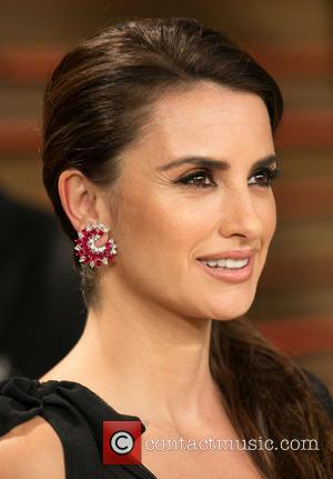 Penélope Cruz - Celebrities attend 2014 Vanity Fair Oscar Party at Sunset Plaza. - Los Angeles, California, United States -...