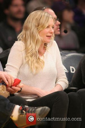 Kirsten Dunst - Celebrities courtside at the Los Angeles Lakers v New Orleans Pelicans NBA basketball game at the Staples...