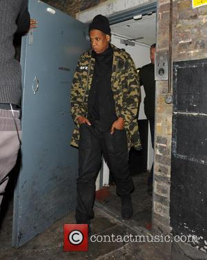 Jay-Z - Beyonce and Jay-Z leaving The Arts Club, through the rear exit. Before that, she had her gig in...