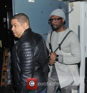 Will.i.am - Will.i.am seen leaving the arts club in Mayfair after partying with Beyonce and Jay Z. - London, United...