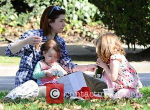 Alyson Hannigan, Satyana Denisof and Keeva Denisof - Alyson Hannigan and Alexis Denisof enjoy a picnic with their two daughters...