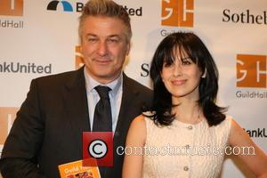 Alec Baldwin Guests On 'Law And Order: SVU' In Hargitay's Directorial Debut