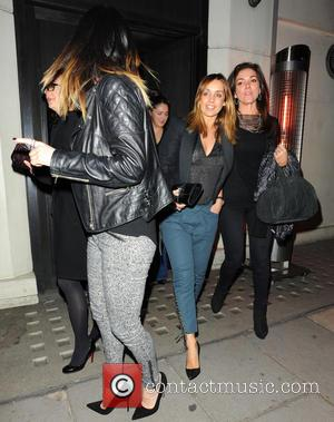 Louise Redknapp and Guest - Louise Redknapp leaving Hakkasan in Mayfair with a group of friends - London, United Kingdom...
