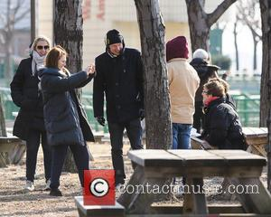 Julianne Moore and Caleb Freundlich - Kristen Stewart and Julianne Moore film a scene in Harlem for