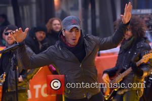 Enrique Iglesias - Enrique Iglesias performs on NBC's 'Today' Show at Rockefeller Plaza - Manhattan, New York, United States -...
