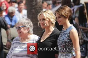 Kate Winslet and Kathy Bates
