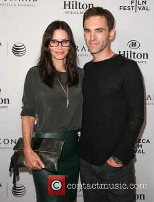 Courteney Cox & Johnny McDaid Announce Their Engagement Via Twitter