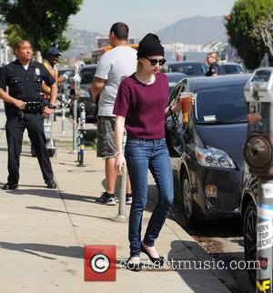 Evan Peters and Emma Roberts_Evan Peters