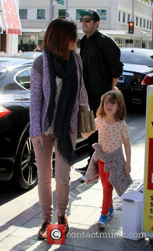 Alyson Hannigan and Satyana Marie Denisof - Alyson Hannigan and her daughter Satyana have lunch together at Il Pastaio -...