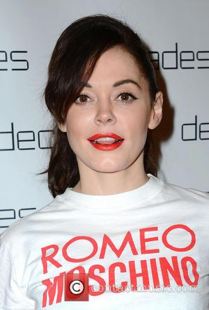 Rose Mcgowan Sued By Wedding Dj