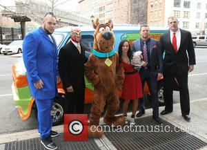 George Murdoch, April Jeanette Mendez, Michael Mizanin, Glenn Thomas Jacobs, Brodus Clay, Sin Cara, Scooby Doo, Aj Lee, The Miz and Kane