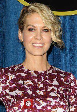 Jenna Elfman - Youth for Human Rights International (YHRI) Celebrity Benefit at Beso Restaurant - Los Angeles, California, United States...