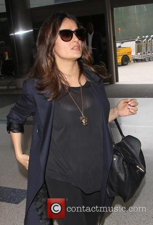 Salma Hayek - Salma Hayek at Los Angeles International Airport (LAX) - Los Angeles, California, United States - Wednesday 26th...