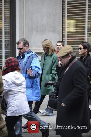 Taylor Swift Surprises Sick Children With Five-hour Hospital Visit