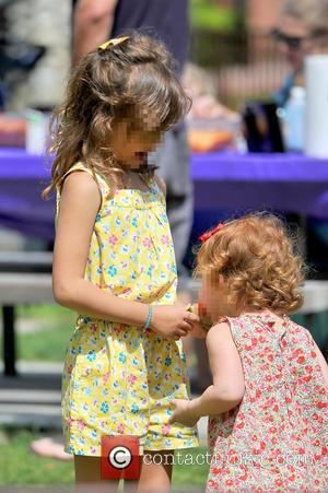 Honor Warren and Haven Warren - Jessica Alba heads to the park with her family and runs into Jaime king...