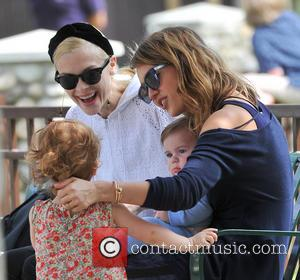 Jessica Alba, James Knight Newman, Jaime King and Haven Warren - Jessica Alba heads to the park with her family...