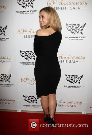 Fiona Gubelmann - The Humane Society Of The United States 60th Anniversary Benefit Gala - Beverly Hills, California, United States...