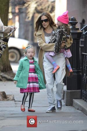 Sarah Jessica Parker, Marion Broderick and Tabitha Broderick - Sarah Jessica Parker seen taking her children to school - Manhattan,...