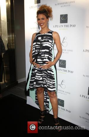 Victoria Platt - Jennifer Love Hewitt Celebrates the release of her New Baby Collection with Pea In The Pod -...
