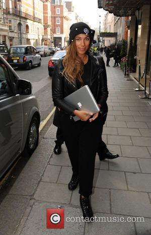 Leona Lewis Celebrates Birthday With Circus-themed Party