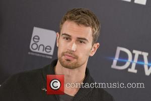 Theo James - 'Divergent' photocall in Madrid - Madrid, Spain - Thursday 3rd April 2014