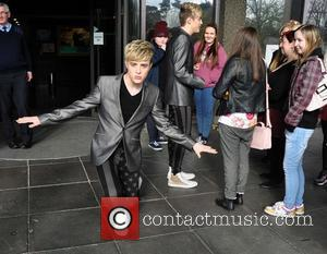 Jedward - Jedward meeting their ever decreasing army of fans outside RTE studios.Previously when Jedward where due at the Studios,barriers...