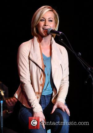 Kellie Pickler - Station Casinos and 95.5 The Bull Team Up For 6th Annual All Star Guitar Pull - Las...