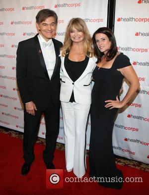Dr. Mehmet Oz, Goldie Hawn and Lisa Oz