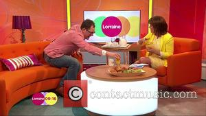 Lorraine Kelly and Alan Carr - Alan Carr appears on  'Lorraine' to talk about the new seires of 'Alan...