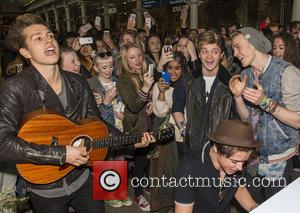 James Mcvey, Bradley Simpson, Connor Ball, Tristan Evans and The Vamps