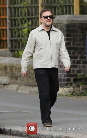 Ricky Gervais - Ricky Gervais and long term partner Jane Fallon seen walking in North London. Ricky seemed to be...