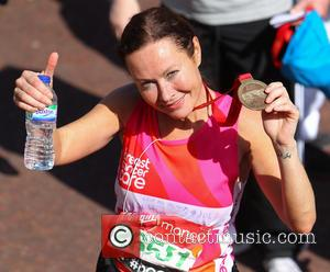 Amanda Mealing - Athletes, celebrities, wheelchair users and fun runners complete the Virgin Money London Marathon on the Mall -...