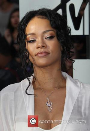 Rihanna Slams Cbs For Dropping Her Song Amidst The Ray Rice Scandal