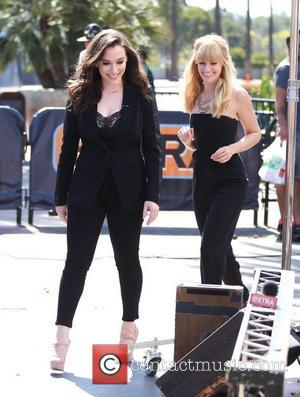 Kat Dennings and Beth Behrs - Kat Dennings and Beth Behrs from Two Broke Girls appear on Extra. - Los...