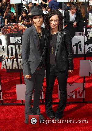 Linda Perry and Sara Gilbert