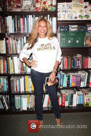 Wendy Williams - Wendy Williams at Barnes & Noble promoting her new novel 'Hold Me in Contempt' - New York...